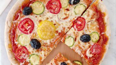 Photo de 2 recettes de pizzas saines et savoureuse